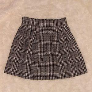 CANDIE'S Black/White Plaid Pleated Skirt